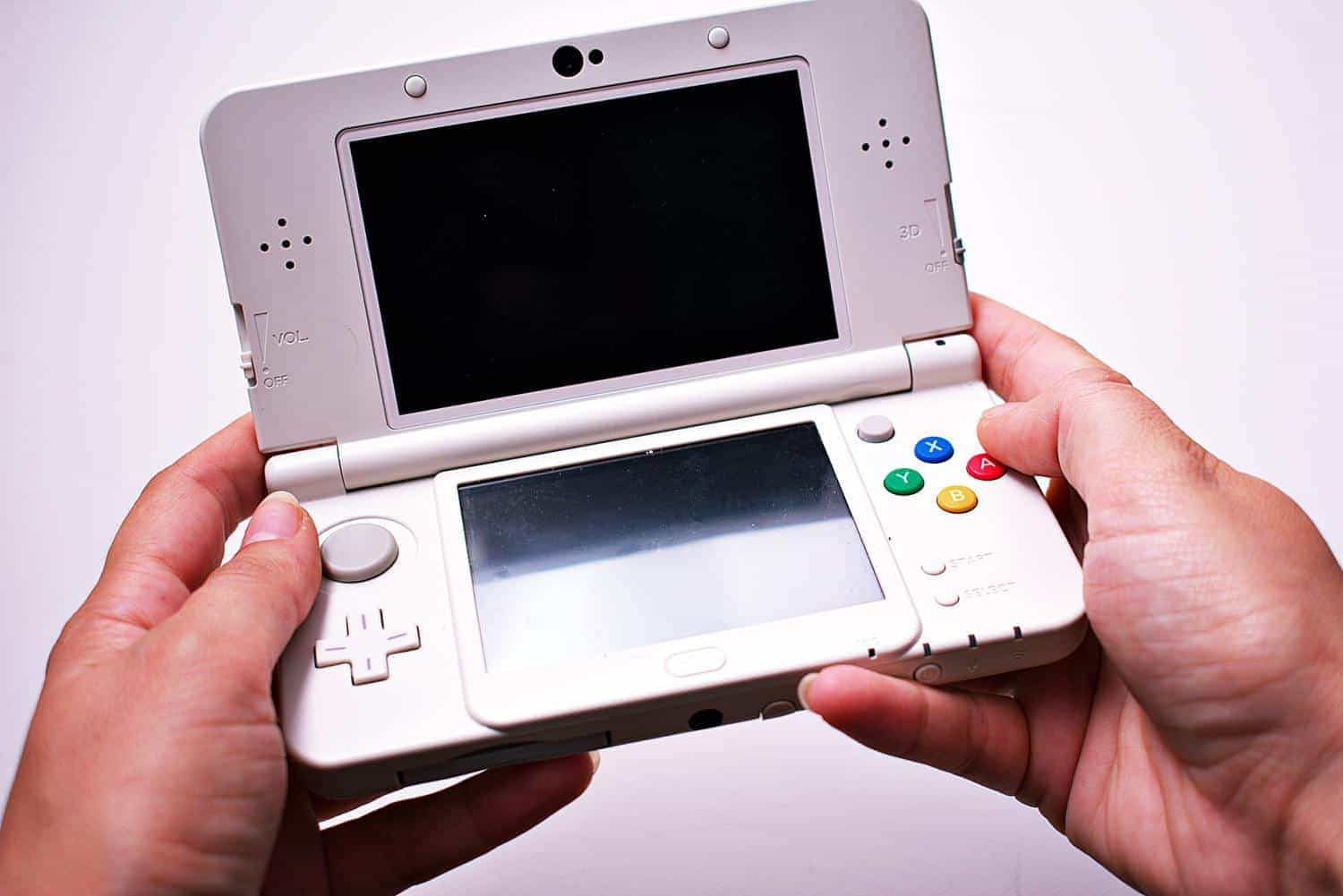 Top 5 Portable Gaming Devices That Didn't Survive the Mobile Era