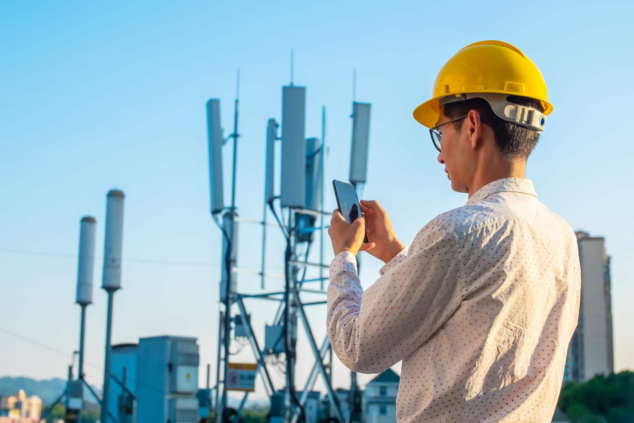 Is 5G Really Worth It? 3 Reasons To Not Get A 5G Phone In 2020